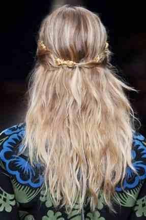 أكسسورات ناعمة لتزيين الشعر
