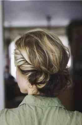 تسريحات-شعر-جميلة-وسهلة-لعام-2015-5-263x400