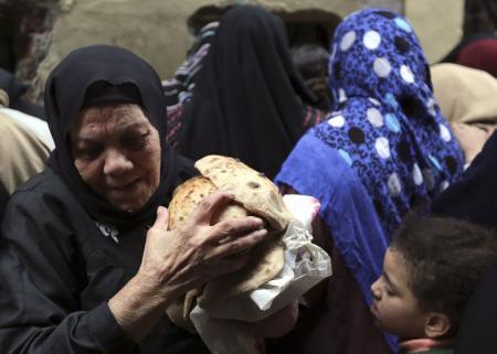 وزير التموين المصري: مخزون القمح يكفي حتى منتصف مايو