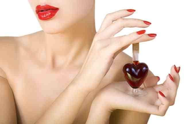 عطور نسائية تسحر شريك حياتك في عيد الحب